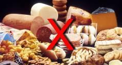 8 продуктов, которые нельзя есть при простуде
